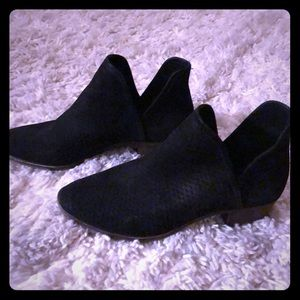 Sz 11 lucky brand perforated black suede booties